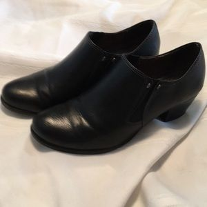 Natural Soul ankle boots black booties size 6